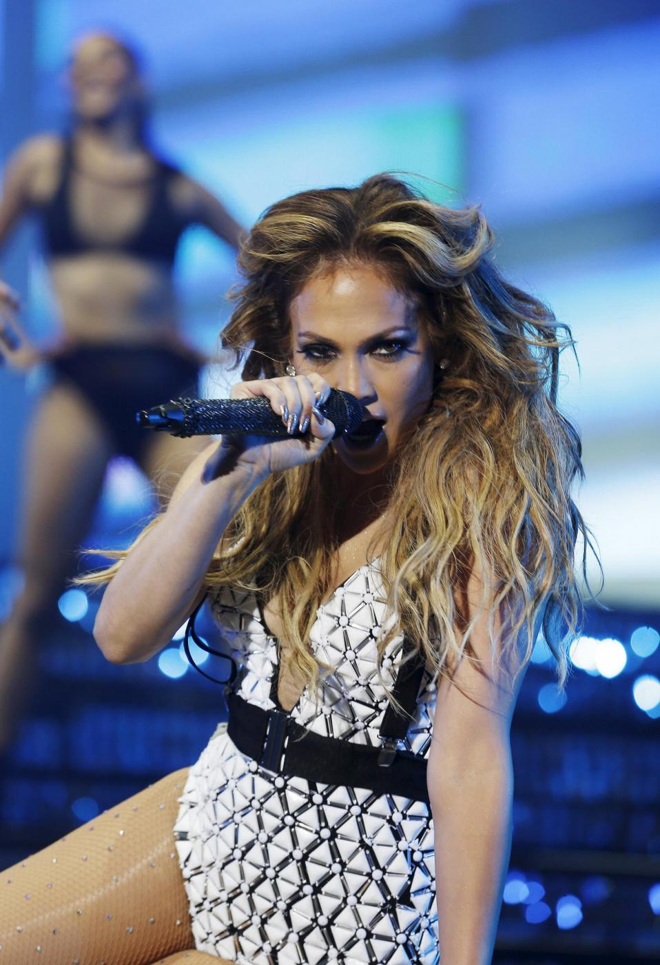 Jennifer Lopez, svelato segreto dei suoi lunghi capelli: ha le extensions FOTO 24