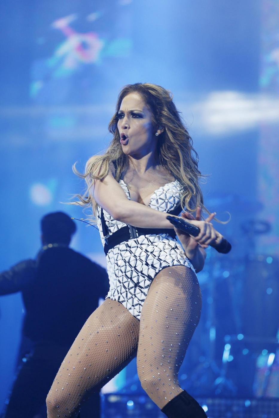 Jennifer Lopez, svelato segreto dei suoi lunghi capelli: ha le extensions FOTO 27