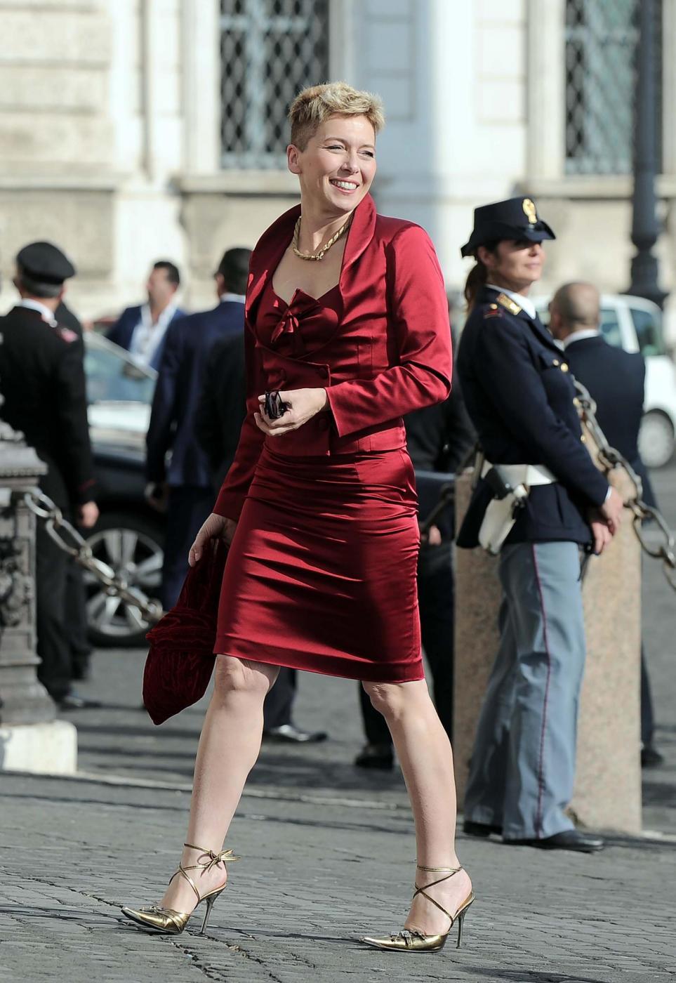 Maria Elena Boschi tacco 12, Lilli Gruber con sandali carroarmato: look dei politici al Quirinale 6
