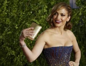 Jennifer Lopez, caschetto corto agli Oscar del teatro a New York FOTO 20