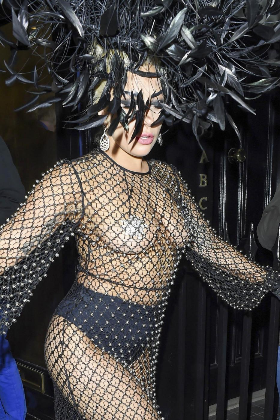 Lady Gaga: nude look estremo a Londra FOTO 19
