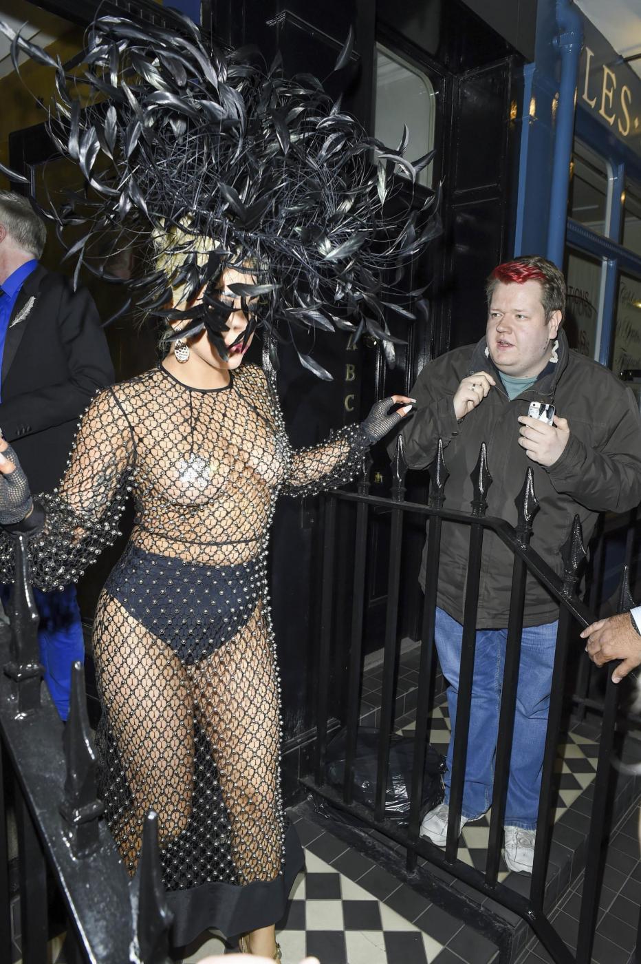 Lady Gaga: nude look estremo a Londra FOTO 17