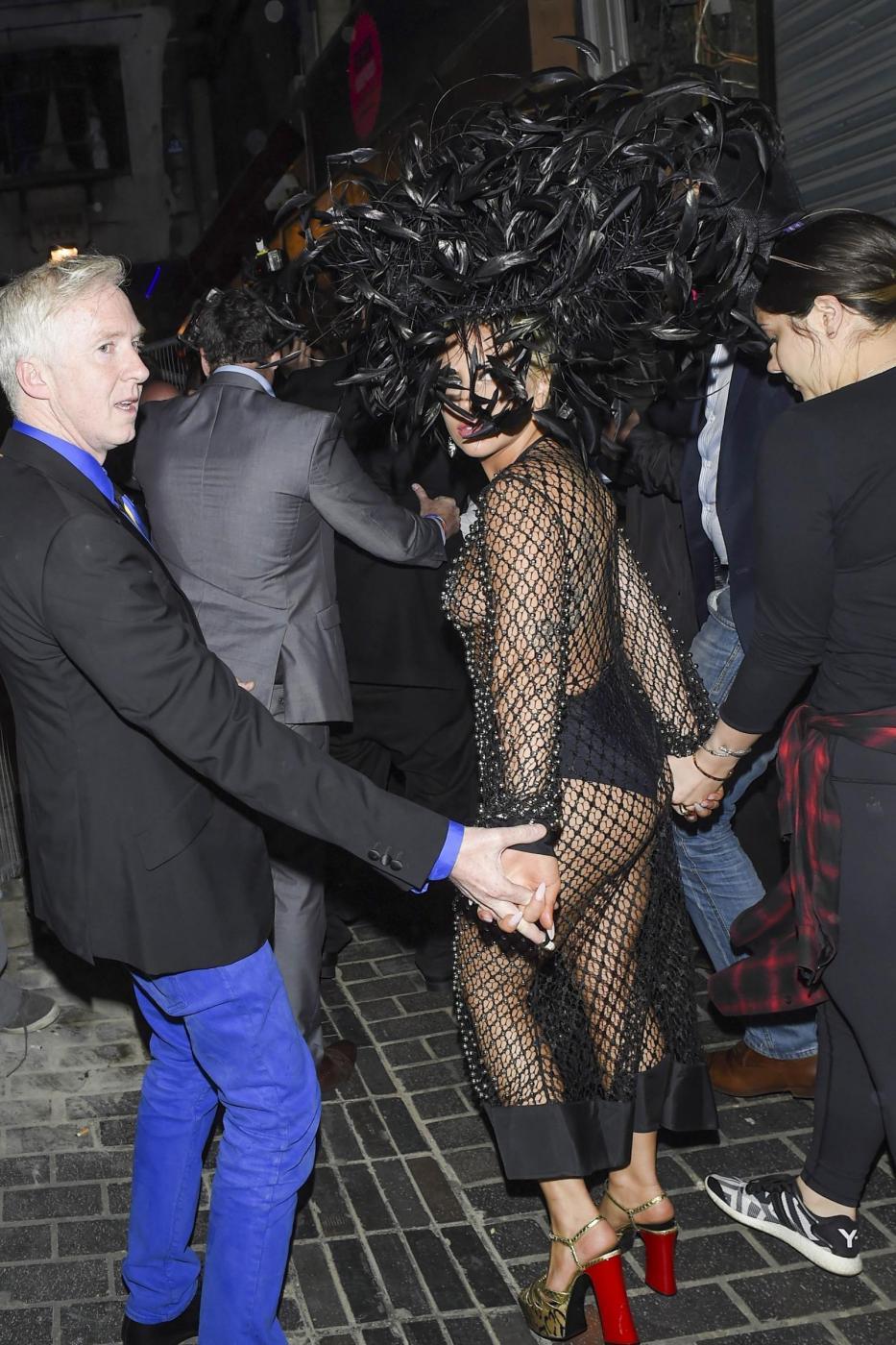 Lady Gaga: nude look estremo a Londra FOTO 15