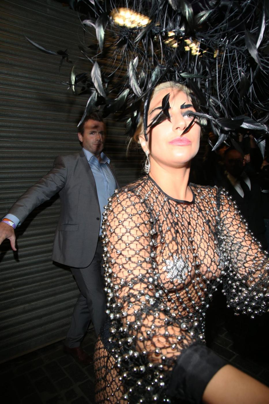 Lady Gaga: nude look estremo a Londra FOTO 6