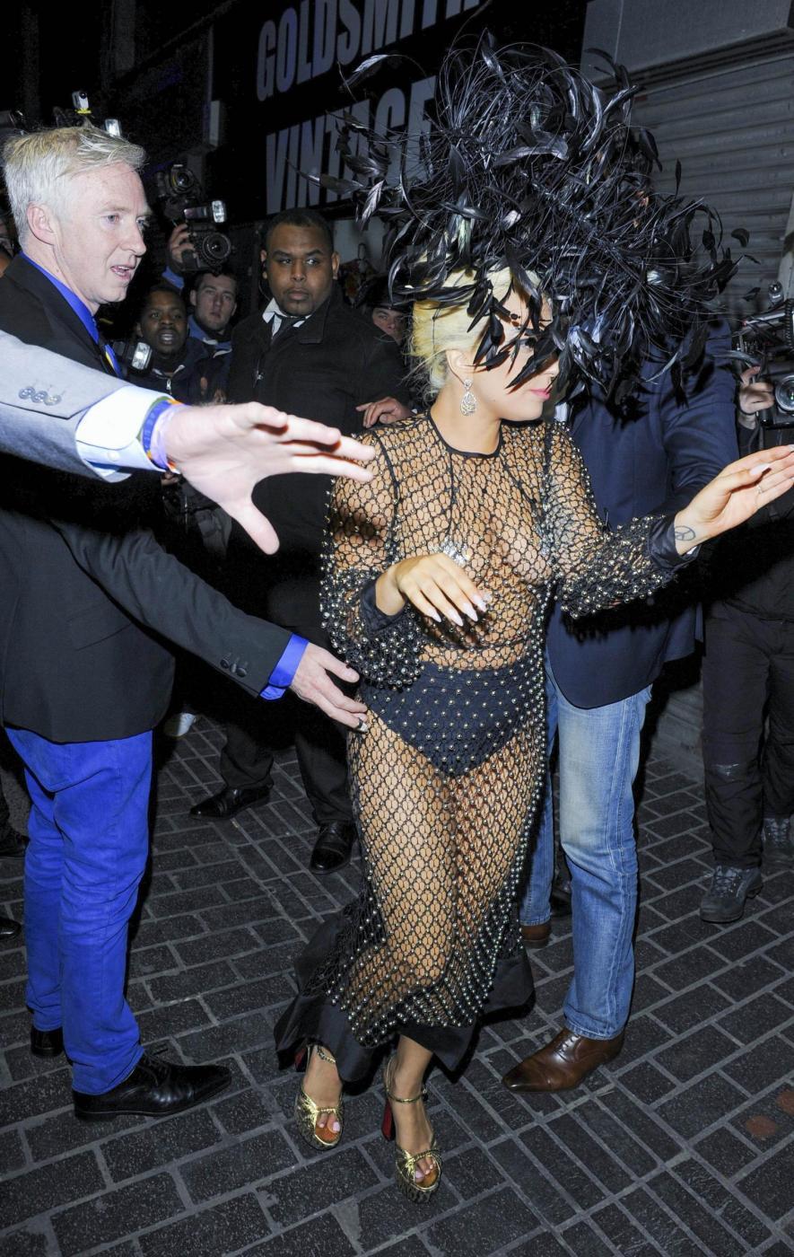 Lady Gaga: nude look estremo a Londra FOTO 1