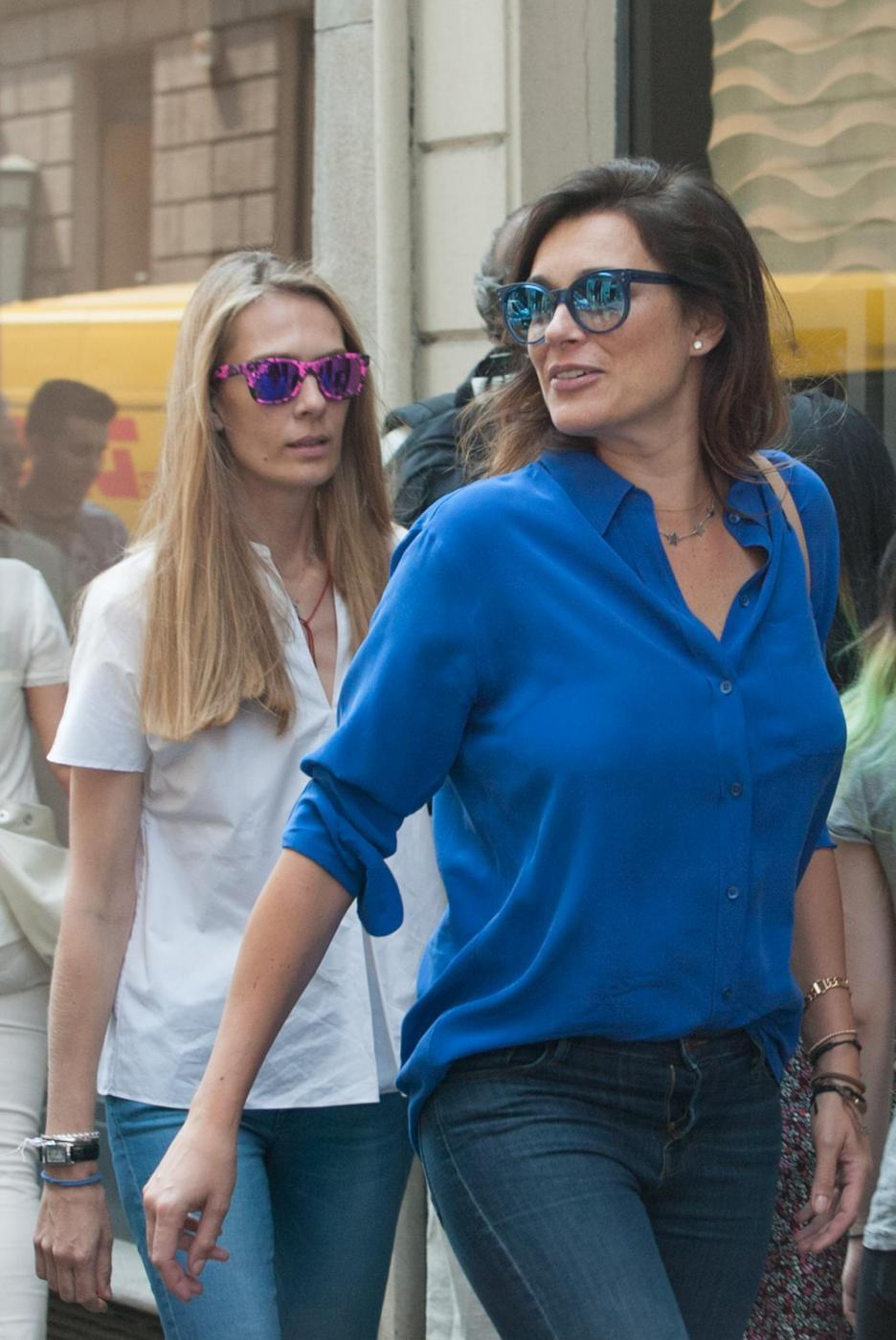 Alena Seredova e Lavinia Borromeo fanno shopping a Milano FOTO