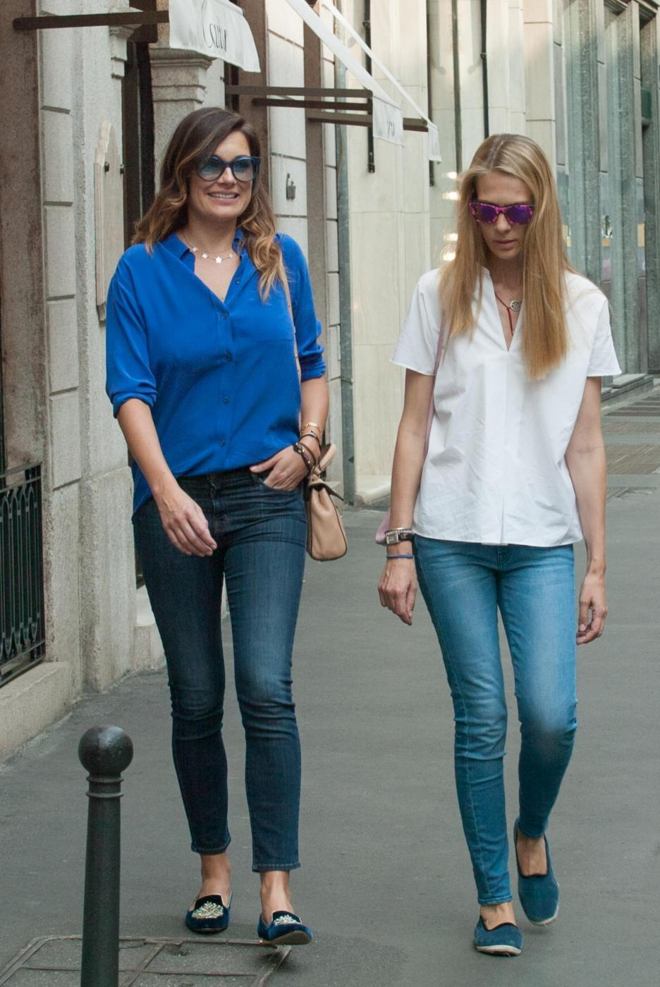 Alena Seredova e Lavinia Borromeo fanno shopping a Milano FOTO 23