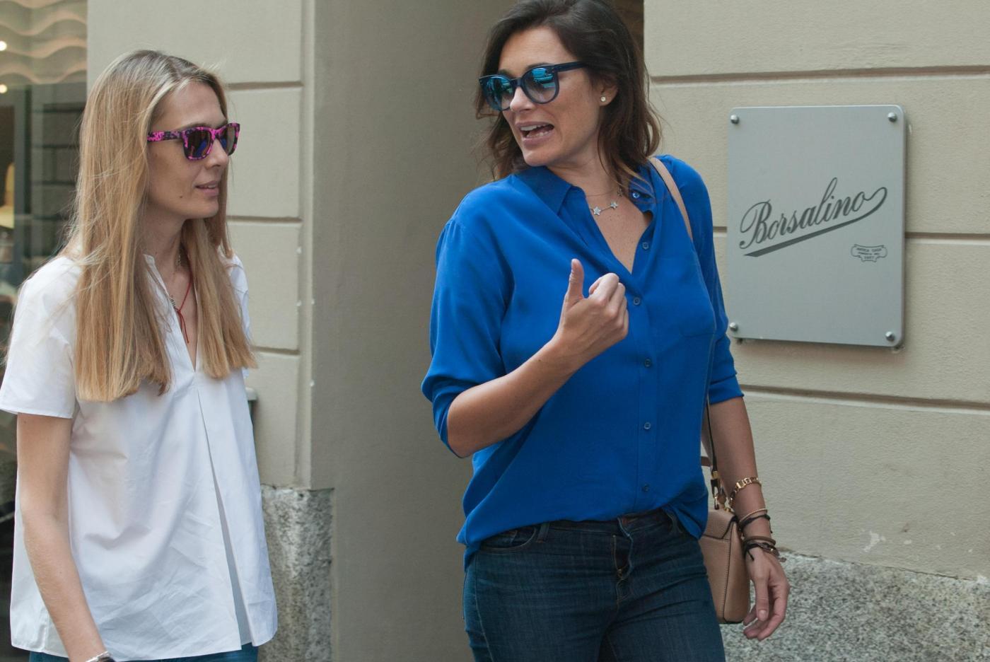 Alena Seredova e Lavinia Borromeo fanno shopping a Milano FOTO 24