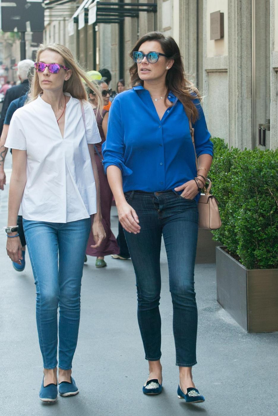 Alena Seredova e Lavinia Borromeo fanno shopping a Milano FOTO 100