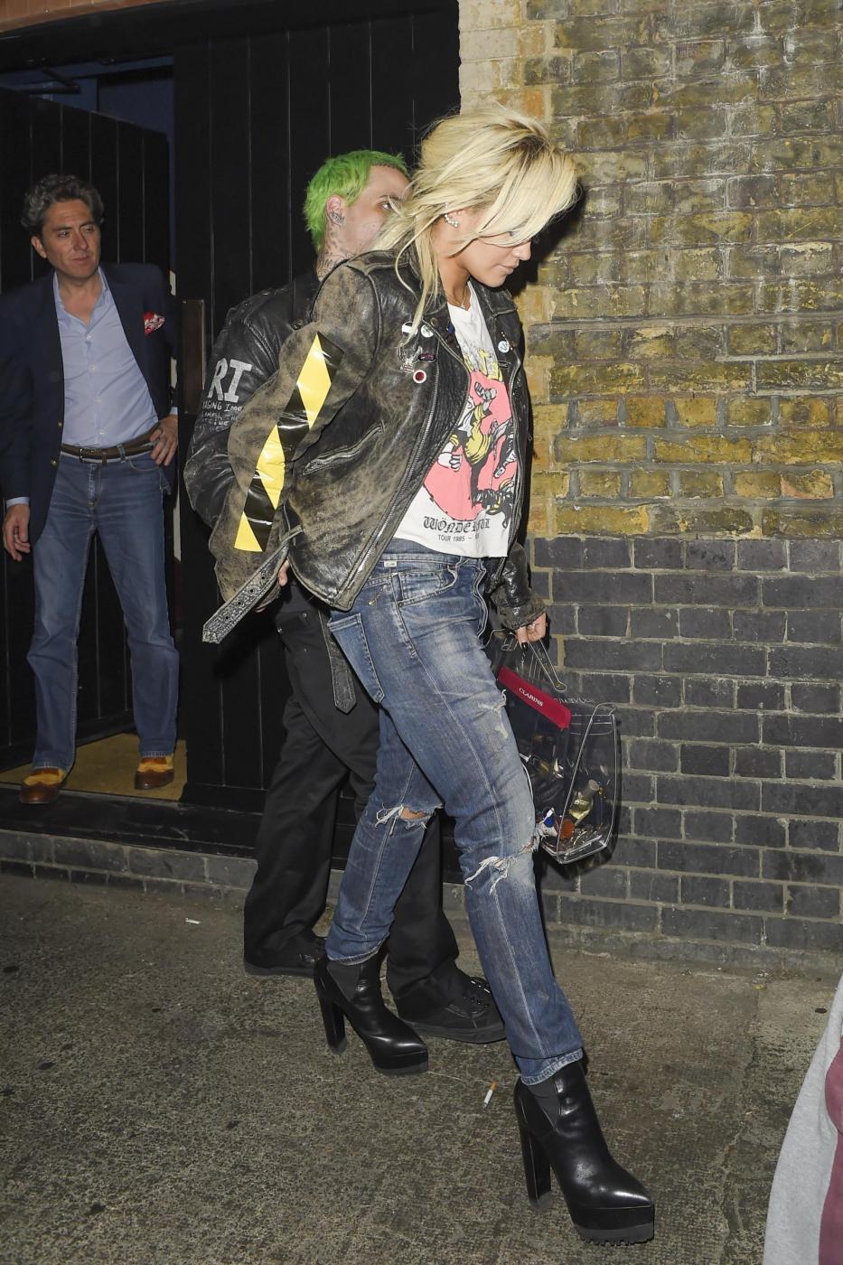 Rita Ora insieme al fidanzato Ricky Hil a Londra FOTO 4