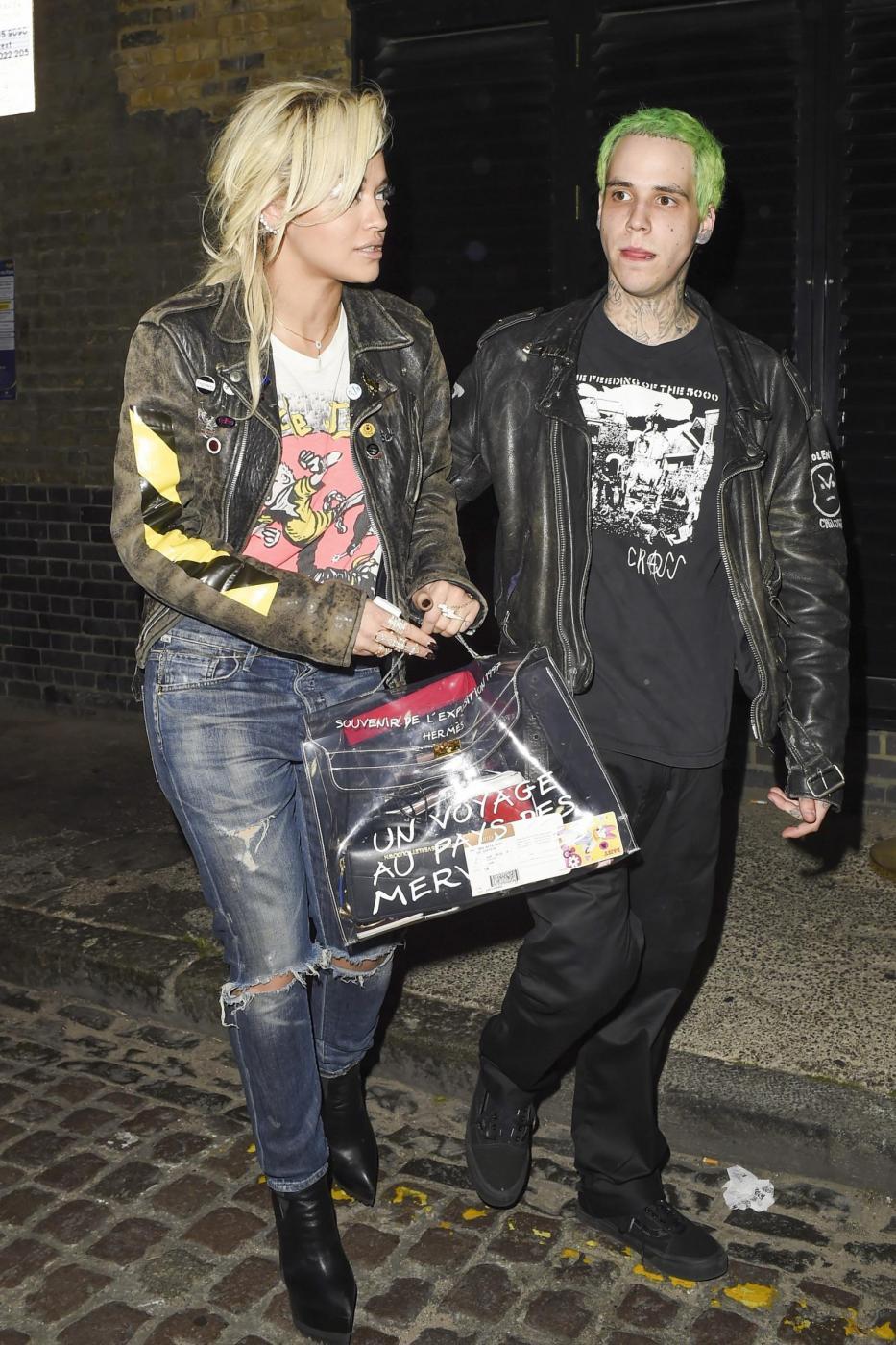 Rita Ora insieme al fidanzato Ricky Hil a Londra FOTO 7