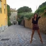 Emily Ratajkowski, lato B perfetto in vacanza a Ravello: FOTO fa impazzire fan