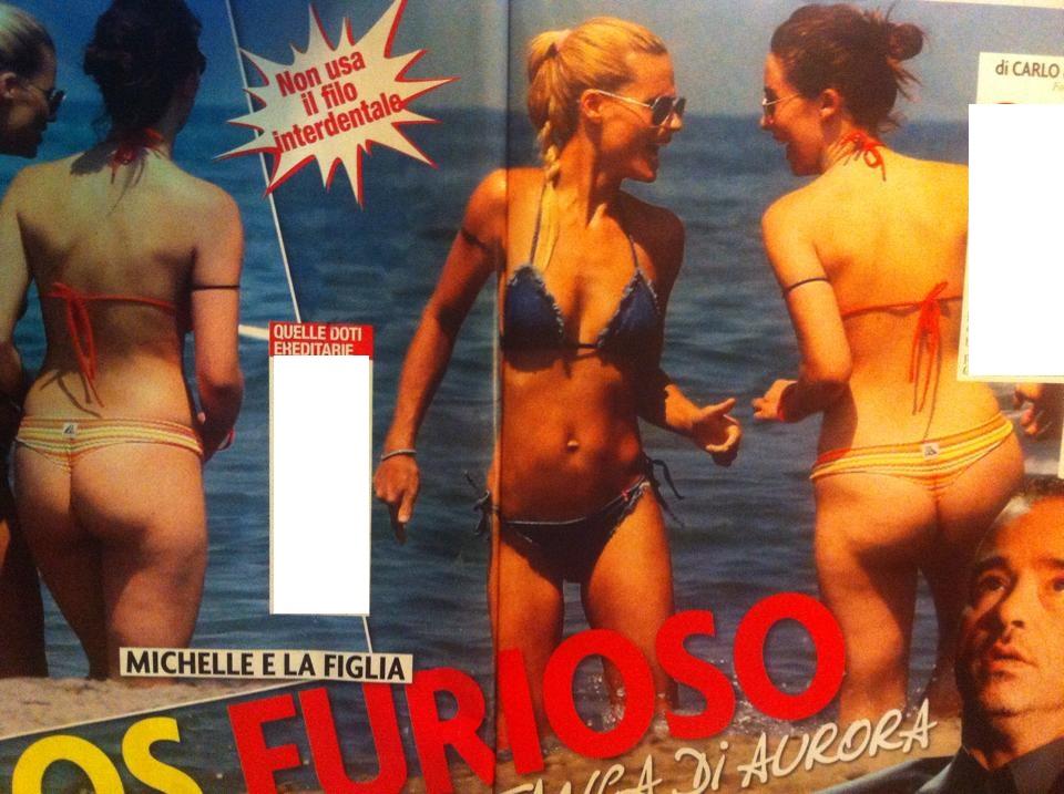 Aurora Ramazzotti, lato b... e cellulite: Michelle Hunziker più bella che mai