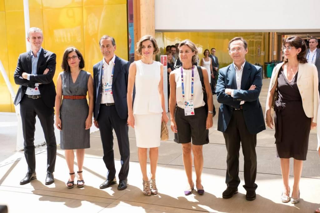 Letizia Ortiz di Spagna all'Expo sceglie ancora il total white 16