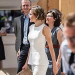 Letizia Ortiz di Spagna all'Expo sceglie ancora il total white