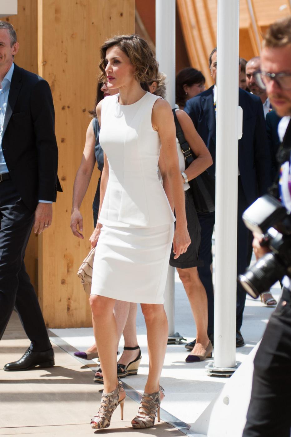 Letizia Ortiz di Spagna all'Expo sceglie ancora il total white 2