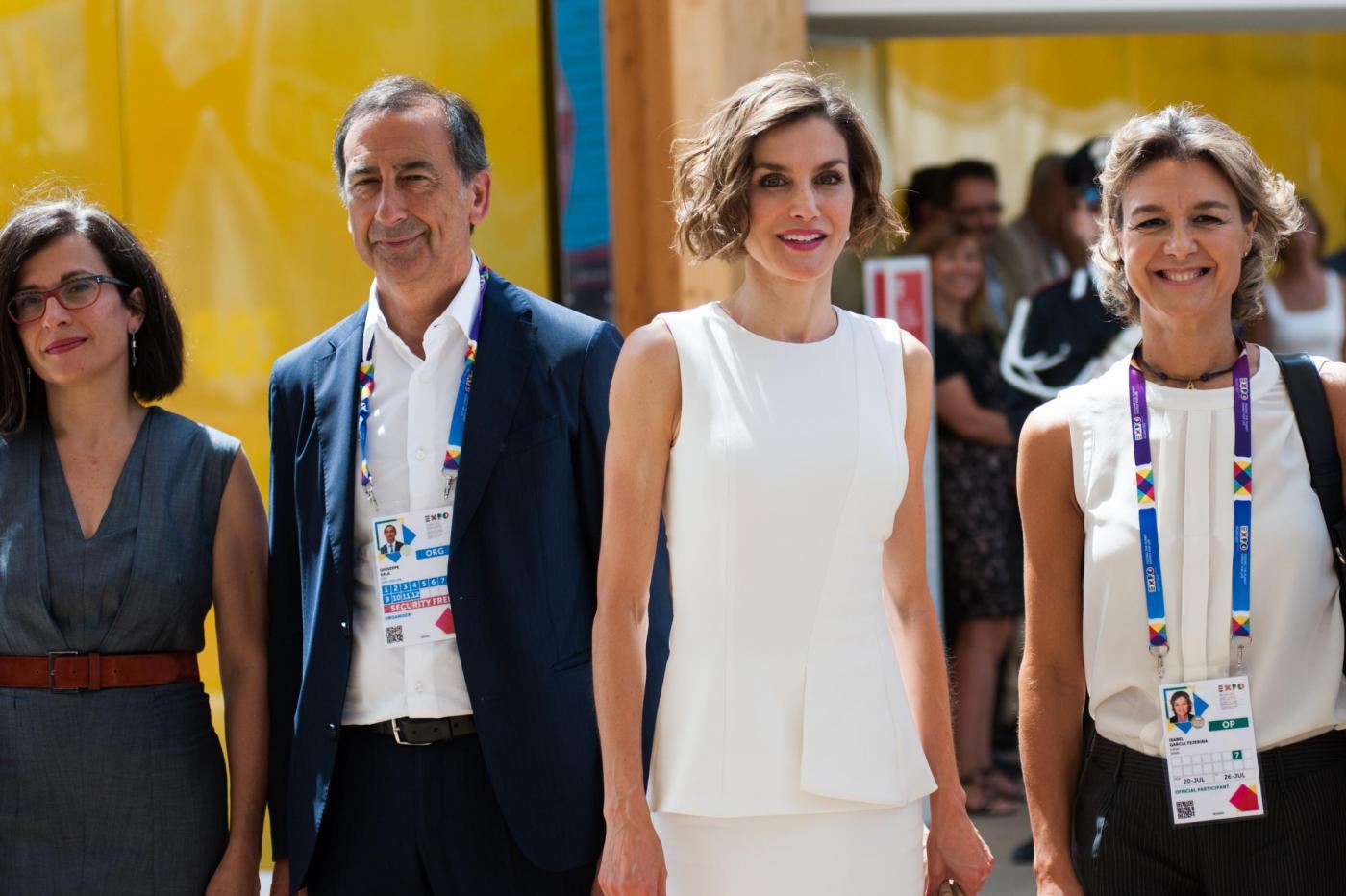 Letizia Ortiz di Spagna all'Expo sceglie ancora il total white 7