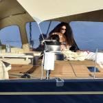 Afef in vacanza con amici: sole e relax sul superyacht di famiglia3