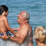 Flavio Briatore papà affettuoso: al mare in Costa Smeralda senza la Gregoraci10