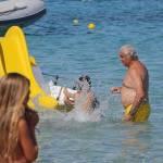 Flavio Briatore papà affettuoso: al mare in Costa Smeralda senza la Gregoraci5