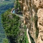 Cina, l'acquedotto costruito sul precipizio della montagna14