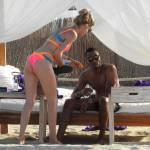 7Doutzen Kroes, vacanze in Spagna col marito: corpo perfetto e muscoloso