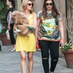 Elena Barolo, shopping in via Montenapoleone col cagnolino Whisky e l'amica13