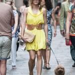 Elena Barolo, shopping in via Montenapoleone col cagnolino Whisky e l'amica09