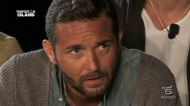 "Temptation Island: mamma Emanuele D'Avanzo contro tentatrice Fabiola: ""Cafona"""