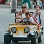 Federica Panicucci vacanze da mamma senza Fargetta: al mare con figli e amiche11