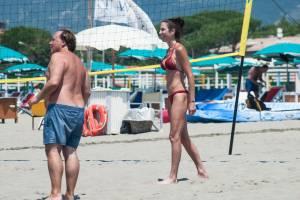 Federica Torti in bikini: forme perfette, corpo da modella