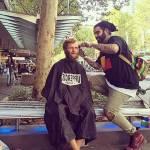 Nasi Sobhani, il barbiere che taglia capelli gratis ai barboni di Mebourne11