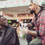 Nasi Sobhani, il barbiere che taglia capelli gratis ai barboni di Mebourne3
