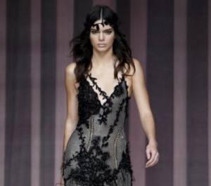 Kendall Jenner incanta Parigi: la modella sfila per Versace FOTO 5