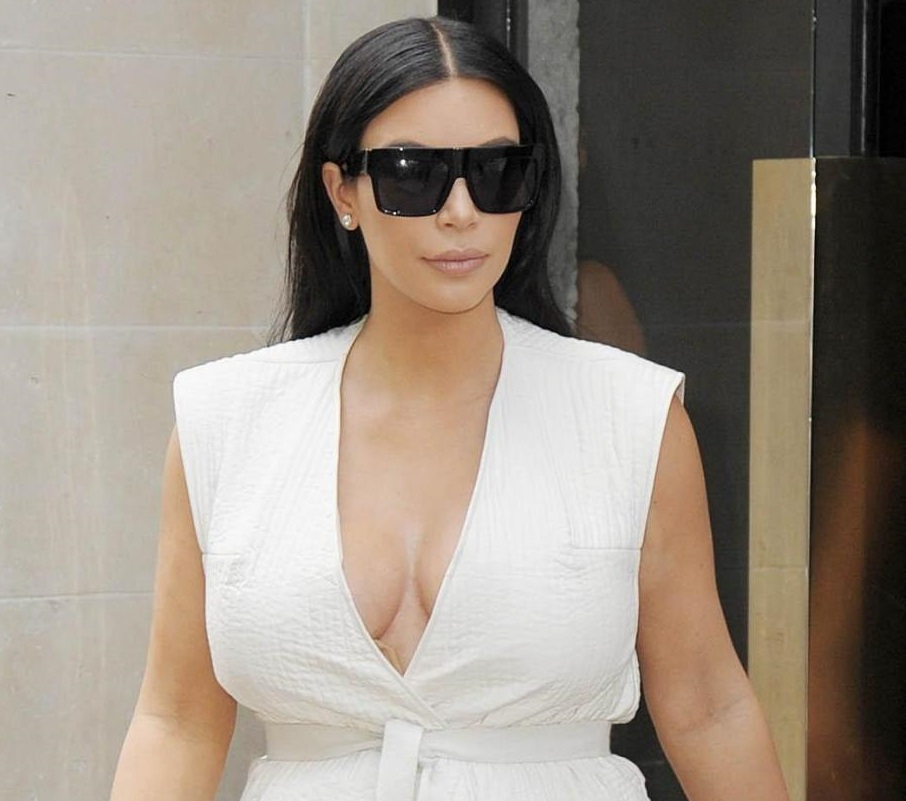 """Kim Kardashian: """"Dopo il parto forse mi toglieranno l'utero"""""""