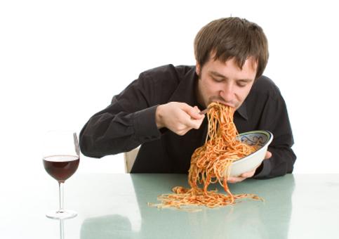 Il segreto per dimagrire? Mangiare. Ma lentamente. Ecco perché