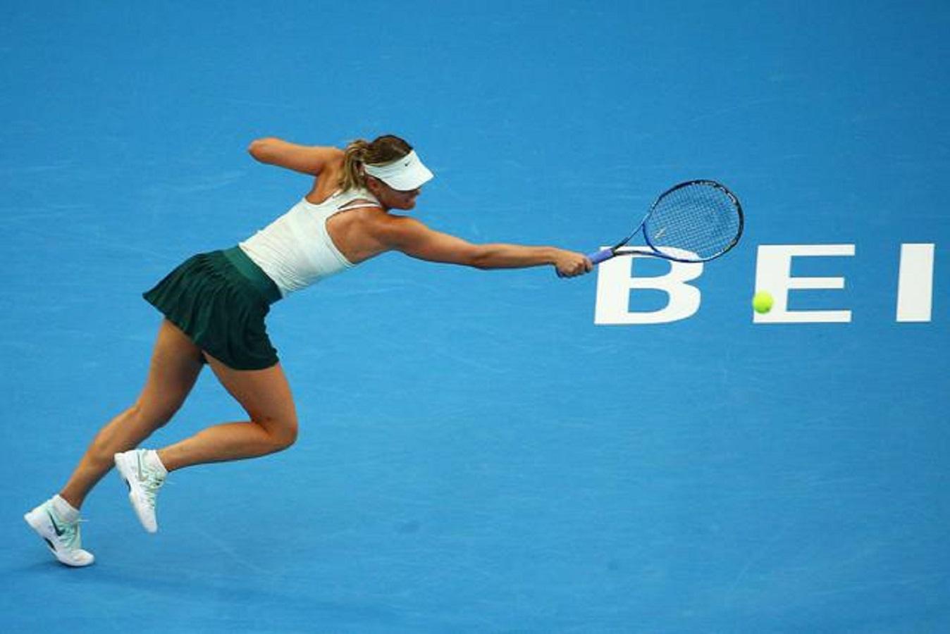 Maria Sharapova si rilassa in Montenegro e dimentica Wimbledon