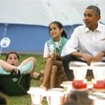 Barack Obama e Michelle ospitano 50 giovani scout alla Casa bianca