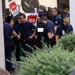 Parigi, animalisti Fondazione Bardot protestano contro Fendi16