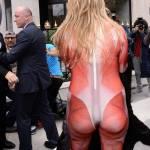 Parigi, animalisti Fondazione Bardot protestano contro Fendi6