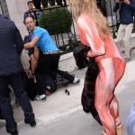 Parigi, animalisti Fondazione Bardot protestano contro Fendi4