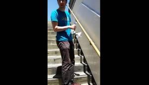Muri anti-urna a San Francisco: pipì rimbalza e bagna pantaloni e scarpe