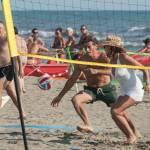 Daniela Santanchè fisico da ragazzina: in vacanza gioca a beach volley 8