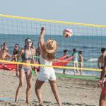Daniela Santanchè fisico da ragazzina: in vacanza gioca a beach volley 9