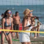 Daniela Santanchè fisico da ragazzina: in vacanza gioca a beach volley 0