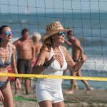 Daniela Santanchè fisico da ragazzina: in vacanza gioca a beach volley 10