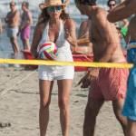 Daniela Santanchè fisico da ragazzina: in vacanza gioca a beach volley 1