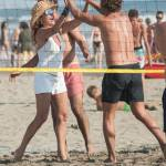 Daniela Santanchè fisico da ragazzina: in vacanza gioca a beach volley 7