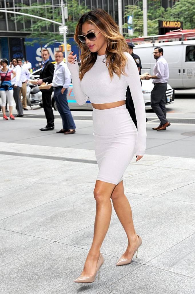 Nicole Scherzinger sempre più curvy e...bionda. Abiti super aderenti a New York FOTO