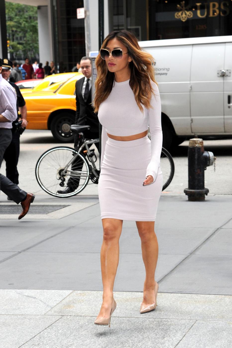 Nicole Scherzinger sempre più curvy e...bionda. Abiti super aderenti a New York FOTO 5